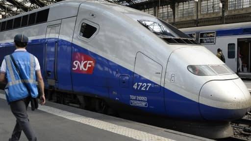 """La stratégie """"tout TGV"""" de la SNCF est désormais remise en cause."""