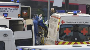 Les services de secours à Mulhouse en pleine crise du coronavirus.