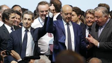 Nicolas Sarkozy et Alain Juppé lors du congrès des Républicains samedi.