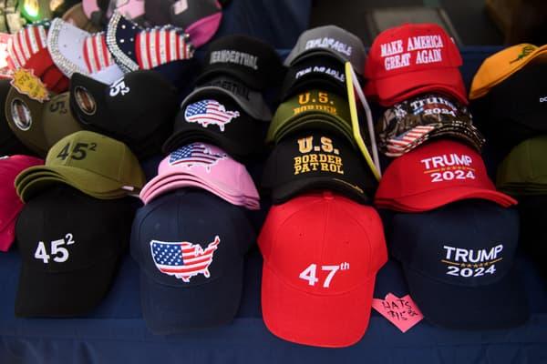 Des casquettes à la gloire de Donald Trump