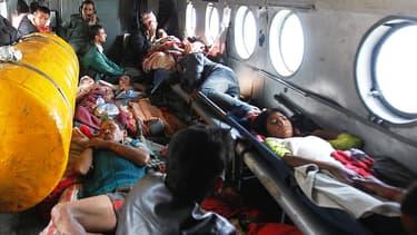 Le séisme au Népal a fait plus de 6.200 morts, selon un nouveau bilan.