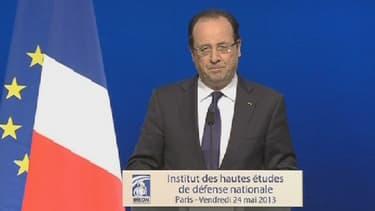 Le chef de l'Etat François Hollande annonce la création d'une nouvelle branche de réservistes dédiés à la cyberdéfense, le 24 mai 2013