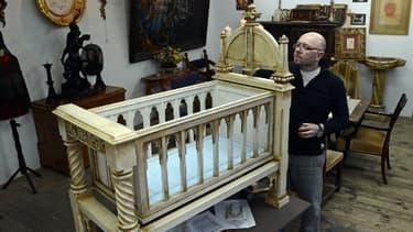 Le berceau destiné au bébé de Kate et William, réalisé par un sculpteur polonais.