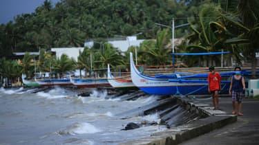 Le typhon Goni approche des Philippines.
