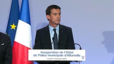 Manuel Valls à Alfortville, le 21 novembre 2016.