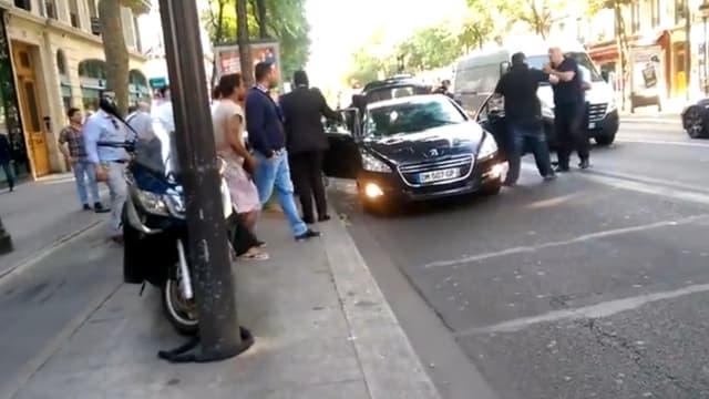 Agression d'un chauffeur à Paris, le 25 juin 2015.