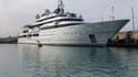 Le célèbre Quai des milliardaires d'Antibes se vide peu à peu.