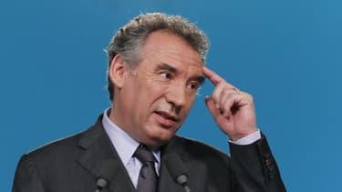 François Bayrou a réclamé mercredi une unité nationale pour la France, entrée officiellement en récession pour la première fois depuis quatre ans. /Photo d'archives/REUTERS/Gonzalo Fuentes