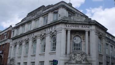 L'Etat britannique a déjà engrangé 3,8 milliards d'euros en revendant des parts de Lloyds en septembre.