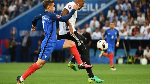 Antoine Griezmann face à Jerome Boateng