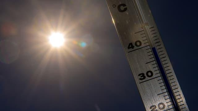 Le coup de chaleur est une urgence médicale: il faut impérativement appeler le Samu en cas de doutes. (Photo d'illustration)