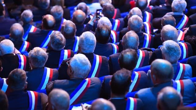Des maires lors des assises des maires bretons, en avril 2019