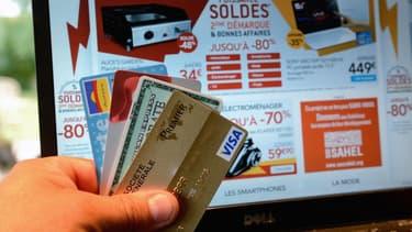 FAST'R by CB est la nouvelle offre de sécurisation des paiements en carte bancaire sur internet, testée par quelques banques françaises.
