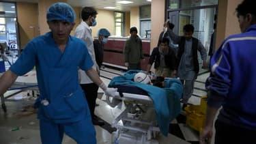Une explosion devant une école pour filles à Kaboul a fait moins 30 morts et 52 blessés, le 8 mai 2021