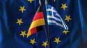 """Le ministre d'Etat Nikos Pappas appelle à se passer du FMI pour la future assistance financière à la Grèce, tandis que le ministre des Finances, Yanis Varoufakis, appelle la chancelière allemande à """"entrer dans un accord honorable"""" avec Athènes."""