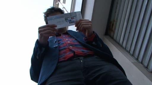 Ce jeune revendeur a fixé le prix de sa place pour PSG-Barcelone à 250 euros, contre 80 euros à l'achat.