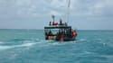 Un bateau de pêche à Zanzibar porte secours aux survivants du naufrage d'un ferry avec plus de 500 passagers à son bord. Le navire assurait une liaison entre Zanzibar et l'île de Pemba, une destination prisée par les touristes. Au moins 40 personnes sont