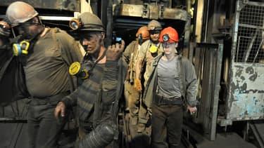 Des mineurs terminent leur service le 6 juin dernier à la mine de Zasyadko, à Donetsk en Ukraine.