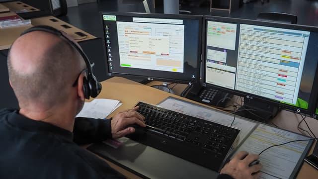 La plateforme téléphonique de Roubaix gère les appels (rendez-vous, réclamations, etc.) des propriétaires de véhicules des marques Peugeot, Citroën et DS pour le compte du service client du groupe PSA.