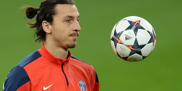L'attaquant du PSG Zlatan Ibrahimovic s'entraîne à Leverkusen, le 17 février.