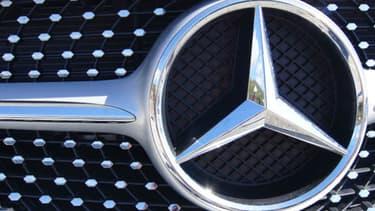 Avec une production importante aux Etats-Unis, la marque Mercedes du groupe Daimler est particulièrement touchée par la réplique chinoise aux taxes américaines.