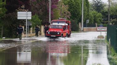 7 mai 2013 : les pompiers ont dû intervenir à de nombreuses reprises dans les rues inondées de Buchères, aux portes de Troyes.
