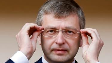 Dmitry Rybolovlev, le propriétaire de l'AS Monaco, n'a pas apprécié l'initiative de la FFF, qui lui aurait réclamé 200 millions d'euros.