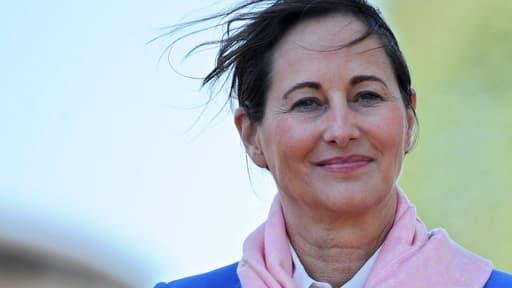 La ministre de l'Ecologie, Ségolène Royal, ic le 17 mai 2014, a opposé son veto au projet d'autoroute A831.