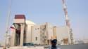 La première centrale nucléaire iranienne a été inaugurée samedi à Bouchehr, dans le sud-ouest du pays, où des techniciens ont entamé le transfert des barres de combustibles. /Photo prise le 20 août 2010/REUTERS/Raheb Homavandi