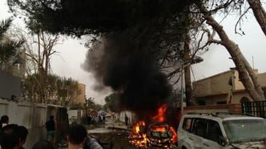 Deux gardes ont été blessés lors de l'attaque de l'ambassade de France à Tripoli, en Libye.