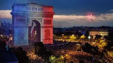 les Français ont fait à la fête dans la rue hier soir. Résultat: la consommation d'électricité dans le pays a fortement baissé