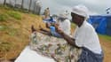 Des femmes implorant la protection divine contre Ebola au Liberia