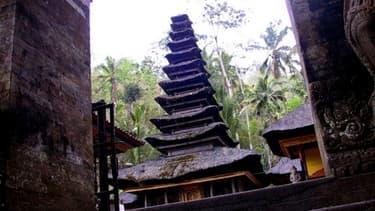 Un temple indonésien, à Bali, encore vierge de tout panneau.