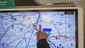 Les plans indicateurs lumineux d'itinéraire (PILI) vont être remplacés, dans certaines gares et stations, par des écrans tactiles grand format disponibles en sept langues