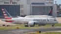 Un avion de la compagnie aérienne American Airlines stationné à l'aéroport de Taïwan.
