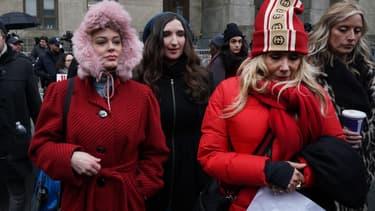 Rose McGowan et Rosanna Arquette le 6 janvier au procès Weinstein.