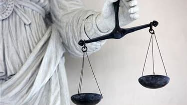 Deux légionnaires du 4e Régiment étranger de Castelnaudary (Aude) suspectés d'avoir violé et frappé l'un des leurs, ont été mis en examen lundi et écroués. La victime a été hospitalisée et les deux suspects ont été écroués à la prison de Perpignan. /Photo