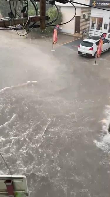 Inondations à pertuis (Vaucluse) - Témoins BFMTV