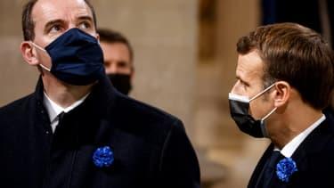 Le Premier ministre franças Jean Castex (g) et le président français Emmanuel Macron le 11 novembre 2020 à Paris