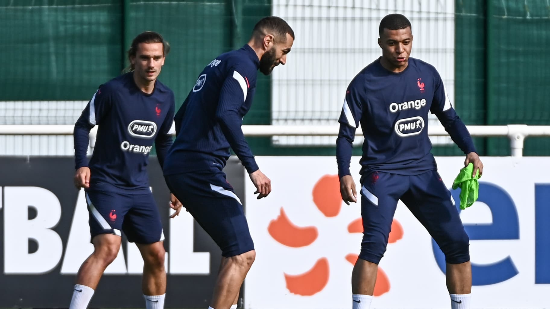 France-Wales, the lines: a 4-4-2 diamond with Mbappé-Benzema, Griezmann in  support - The Indian Paper
