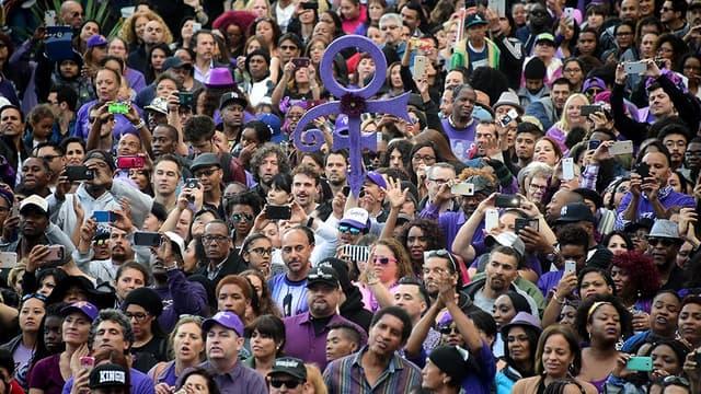 Les habitants de Minneapolis célèbrent le Prince Day, le 7 juin, jour de l'anniversaire du défunt chanteur.