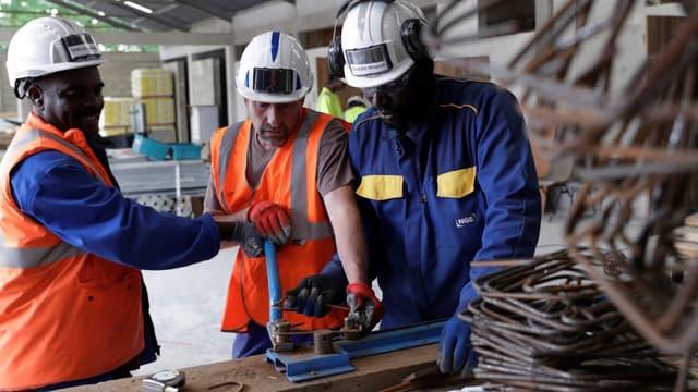 Dans le BTP, la timide reprise des chantiers