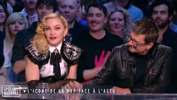 """Madonna et Luz au """"Grand Journal"""" en mars 2015"""