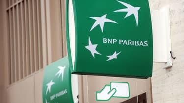 "BNP Paribas explique que ces suppressions de postes se feront via des départs ""naturels"""