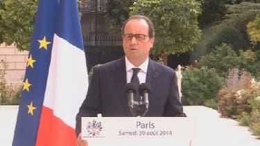 """François Hollande a réclamé plus de """"flexibilité"""" sur la réduction des déficits avant de se rendre à un sommet européen ce samedi."""