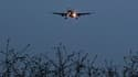 L'Allemagne a, à son tour, suspendu dimanche le fret aérien en provenance du Yémen, d'où ont été expédiés deux colis piégés interceptés en Angleterre et à Dubaï.La Direction générale de l'aviation civile en France et les autorités britanniques ont pris de