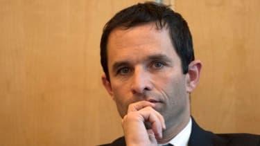 """Benoît Hamon considère qu'une baisse des charges patronales de 30 milliards d'euros occasionnerait un """"choc de pouvoir d'achat"""""""
