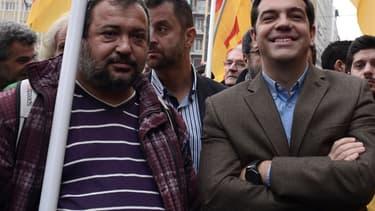 Le leader de Syriza, Alexis Tsipras (à droite), lors d'une manifestation en novembre.