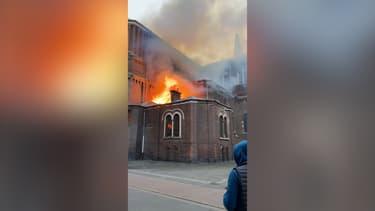 Un incendie s'est déclaré lundi en début de soirée dans l'église Saint-Pierre-Saint-Paul dans le quartier de Wazemmes.