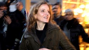 Nathalie Kosciusko-Morizet dans les rues de Paris. Une photo d'elle en maraude avec des sans-abris a beaucoup fait réagir.